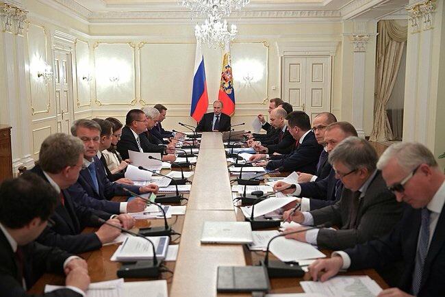 Совет при президенте РФ обсудил закон о реновации