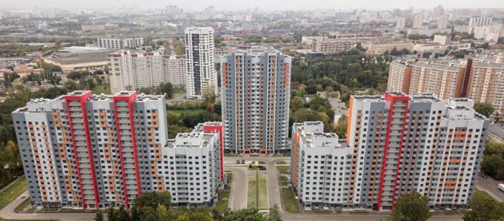 Какие районы попадают в программу реновации, и что говорят представители власти